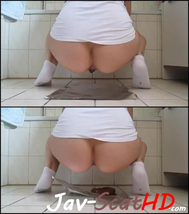 [Special #365] Self filmed Amateur girl in white socks shitting big turd. Jav Scat Big turd FullHD 1080p (MPEG-4 / 38.1 MB)