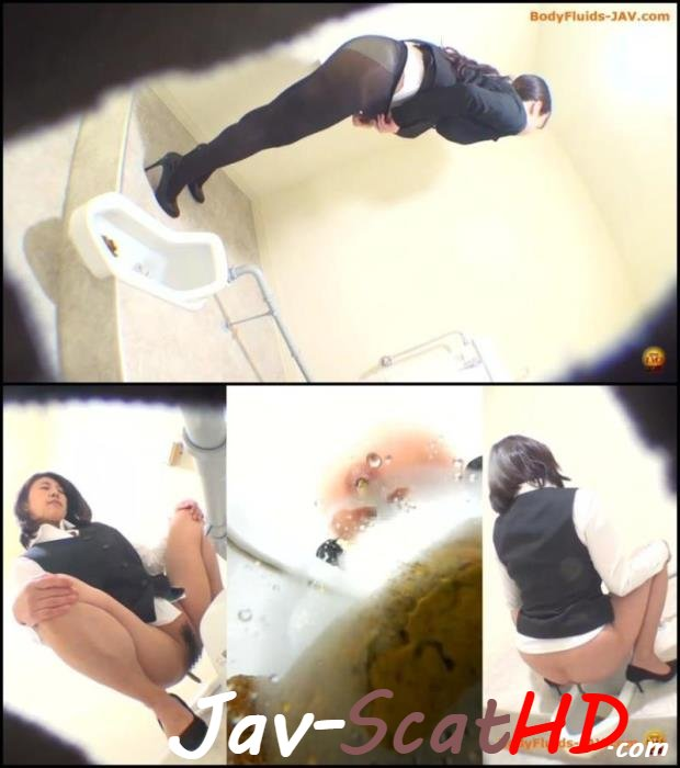 BFEE-45 Jade Evo Girls defecates long feces in the toilet. EVO poop Closeup FullHD 1080p (MPEG-4 / 547 MB)